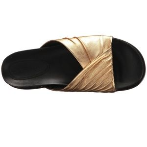 Sigerson Morrison Amanda Gold Leather slide sandal